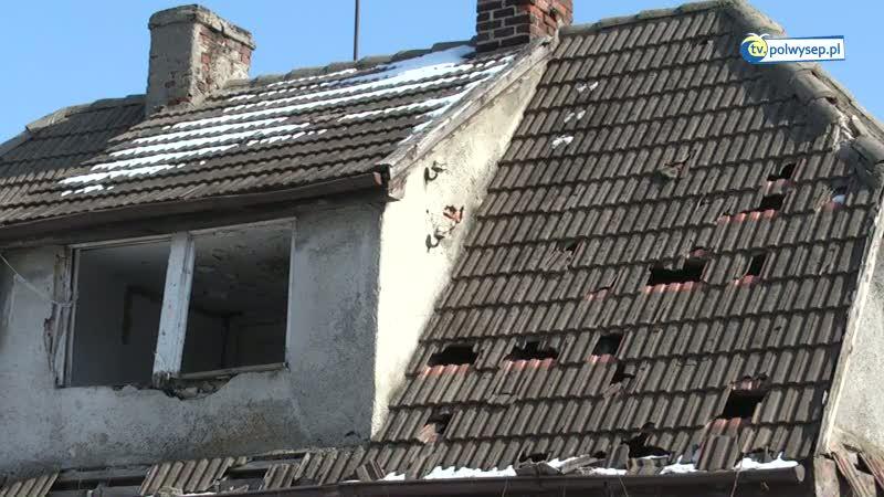 Rozpadająca się ruina przy ul. Szkutników